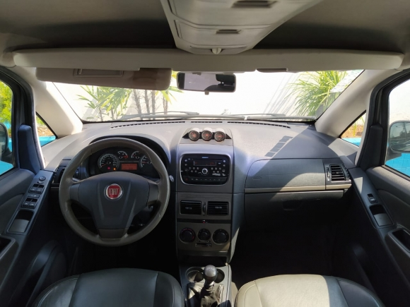 Foto[2] Fiat Idea Adventure 1.8 Flex