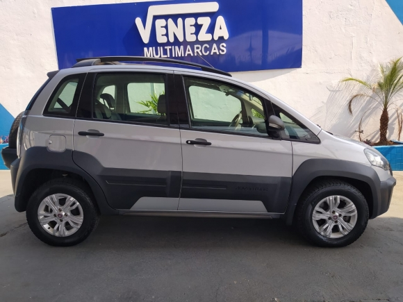 Foto[3] Fiat Idea Adventure 1.8 Flex